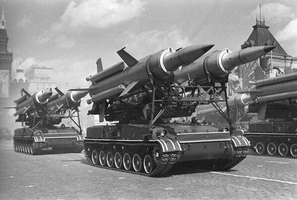 Parada wojskowa na Placu Czerwonym w Moskwie, 1 maja 1967 r. - Sputnik Polska