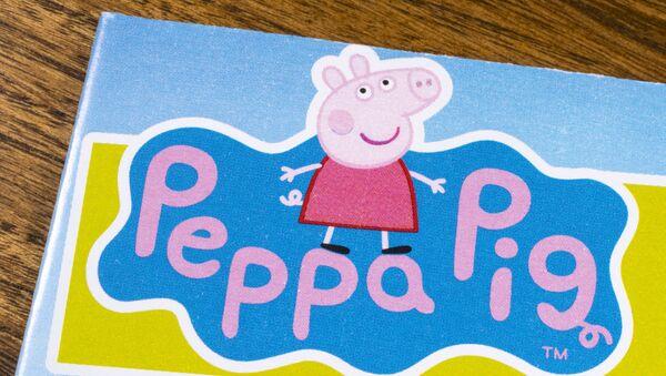 Wizerunek postaci z serialu animowanego Świnka Peppa - Sputnik Polska