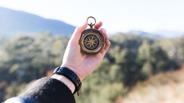 Kompas w dłoni - Sputnik Polska