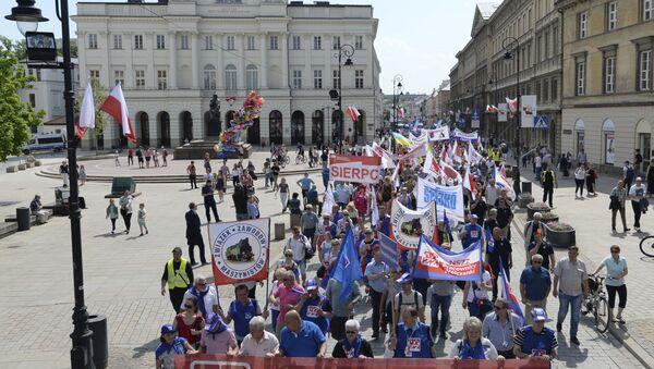 Obchody 1 maja w Warszawie - Sputnik Polska