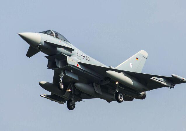 Niemiecki myśliwiec Eurofighter 2000