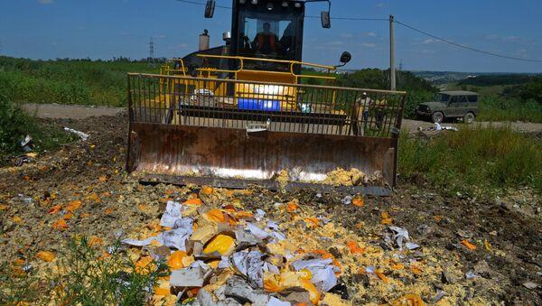 Utylizacja żywności objętej rosyjskim embargiem w obwodzie biełgorodzkim - Sputnik Polska