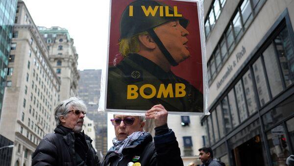 Mieszkańcy Nowego Jorku protestują przeciwko bombardowaniu Syrii - Sputnik Polska