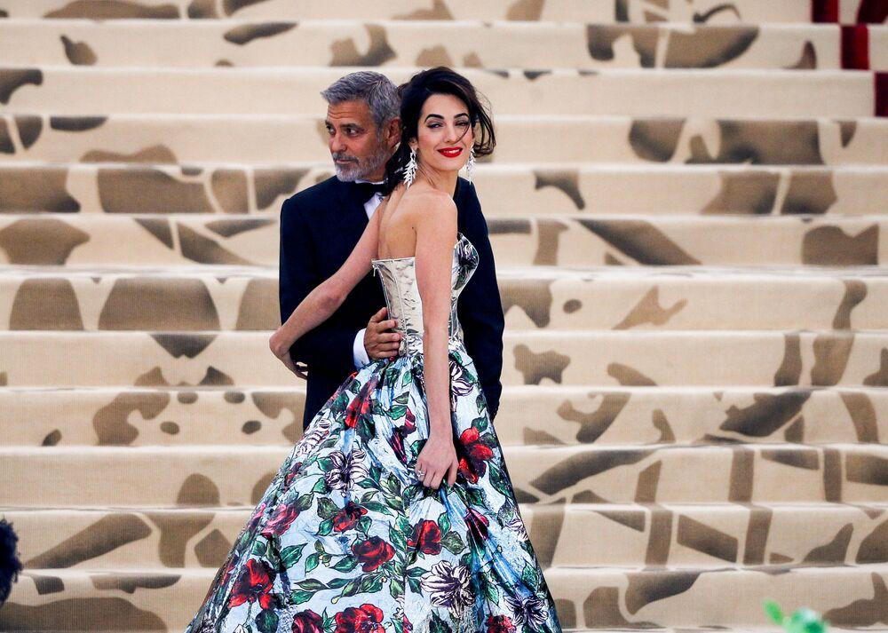 George i Amal Clooney na otwarciu Met Gala 2018