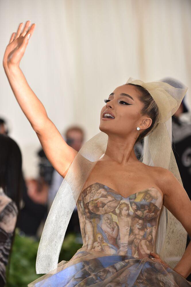 Ariana Grande na otwarciu Met Gala 2018