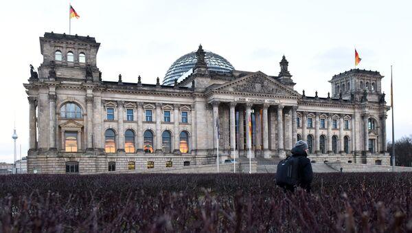 Budynek Reichstagu w centrum Berlina - Sputnik Polska