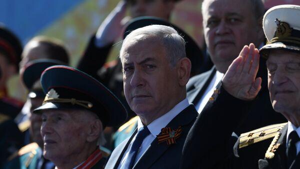 Benjamin Netanjahu podczas Parady Zwycięstwa w Moskwie - Sputnik Polska