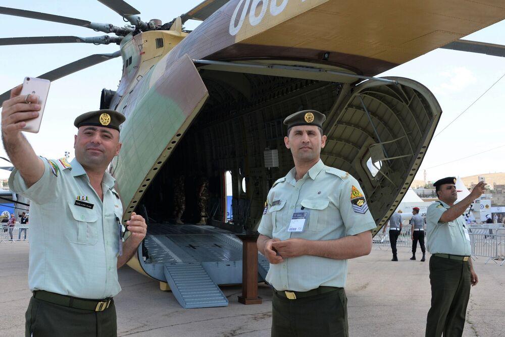 Ciężki rosyjski helikoper Mi-26T2 na wystawie Specjalnych Sił Operacyjnych SOFEX-2018 w Jordanii