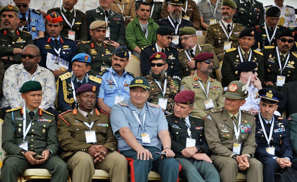 Uczestnicy i goście na wystawie Specjalnych Sił Operacyjnych SOFEX-2018 w Jordanii