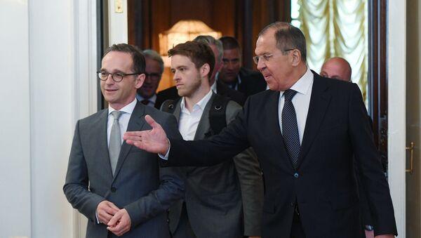 Szef MSZ Niemiec Heiko Maas i minister spraw zagranicznych Rosji Siergiej Ławrow podczas spotkania w Domu Przyjęć MSZ Rosji - Sputnik Polska