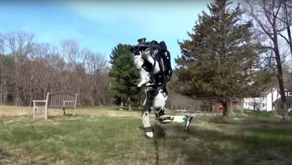 Robot Atlas firmy Boston Dynamics - Sputnik Polska