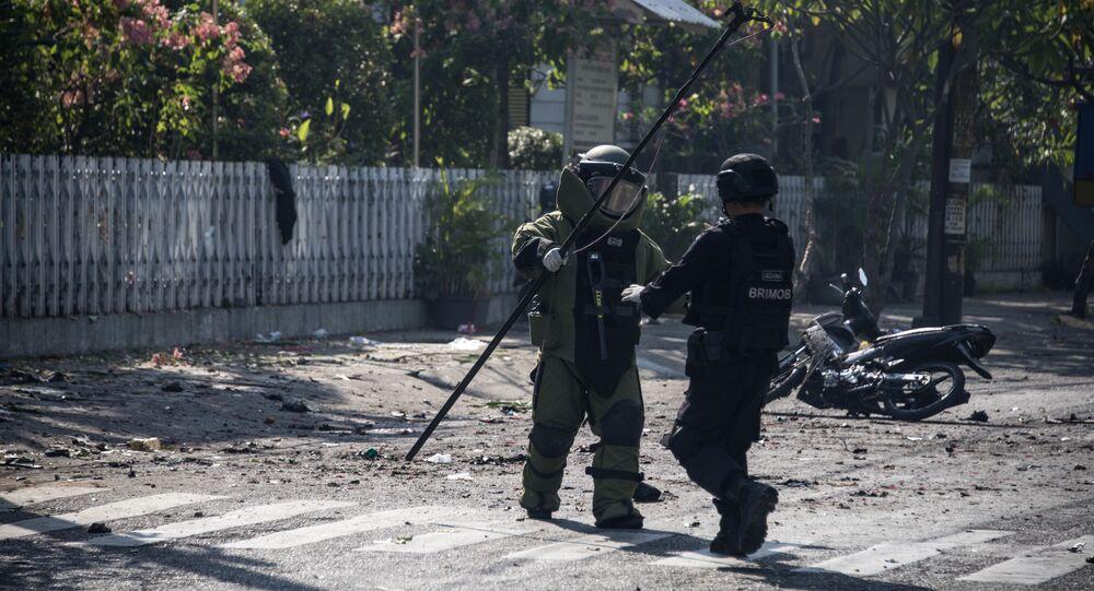 Ataki bombowe na kościoły w Indonezji