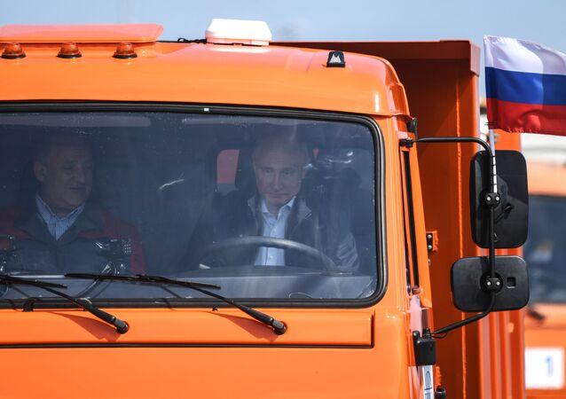 Prezydent Rosji Władimir Putin otwiera Most Krymski