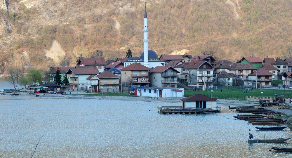 Widok na bośniacką wioskę Divic