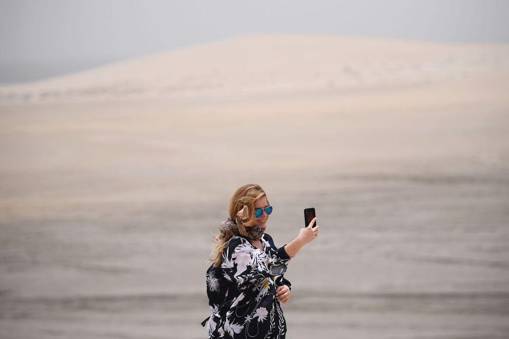 Selfie na pustyni Khor Al Adaid w Doha