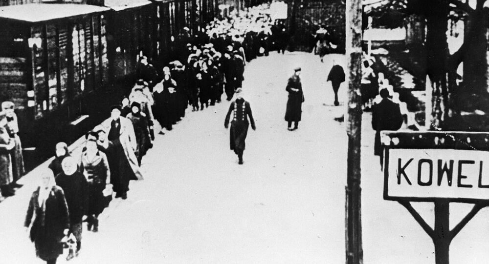 Ukraińskie miasto Kowel. Naziści przymusowo wysyłają radzieckich ludzi do Niemiec. 1943 rok