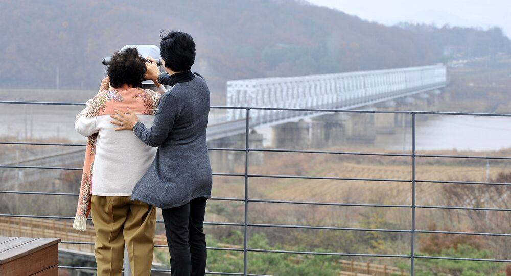 Strefa zdemilitaryzowana rozdzielająca półwysep Koreański na Północną i Południową Koreę