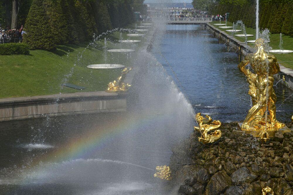 Festiwal fontann w Peterhofie