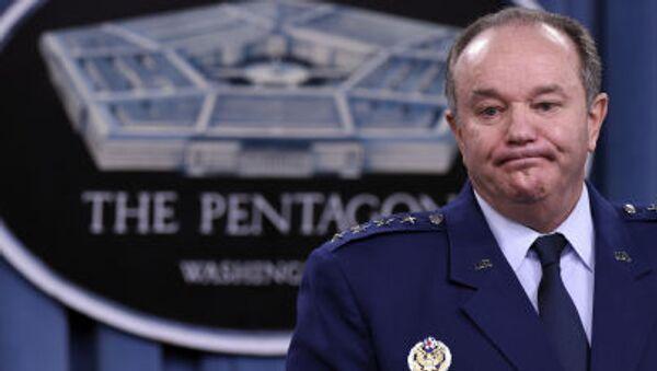 Głównodowodzący Połączonych Sił Zbrojnych NATO w Europie Philip Breedlove - Sputnik Polska