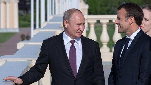 Władimir Putin, Emmanuel Macron - Sputnik Polska
