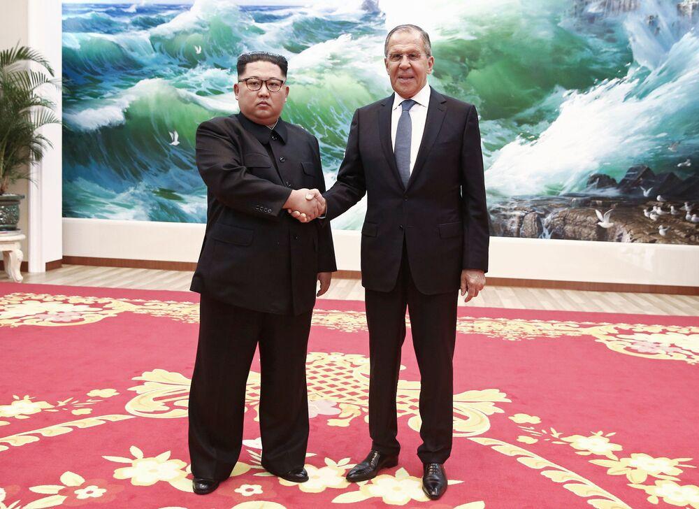 Minister spraw zagranicznych Rosji Siergiej Ławrow spotkał się z przywódcą KRLD Kim Dzong Unem
