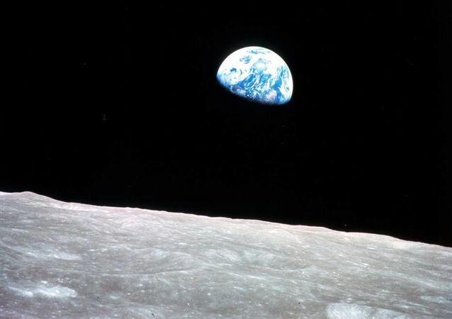 Pierwsze zdjęcie Ziemi z orbity okołoksiężycowej