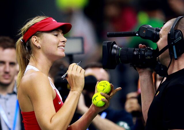 Tenisistka rosyjska Maryja Szarapowa po zwycięstwie w meczu ćwierćfinałowym Fed Cup - 2015 nad Agnieszką Radwańską w Krakowie