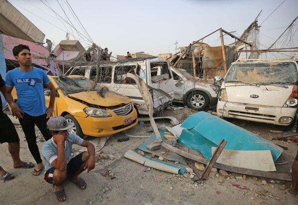 Wyniki eksplozji na północnym wschodzie Bagdadu - Sputnik Polska