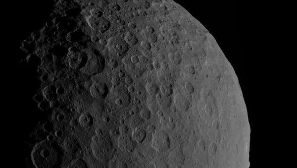 Karłowata planeta Ceres w obiektywie aparatu Dawn - Sputnik Polska