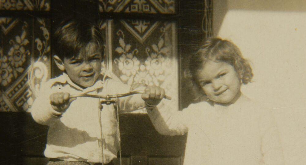 Ernesto Guevara z siostrą Celią