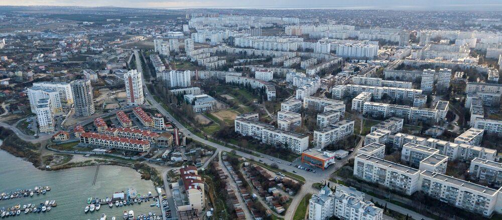 Widok na Zatokę Strzelecką w Sewastopolu, Krym