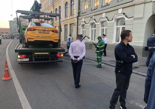 Taksówkarz wjechał w przechodniów w Moskwie