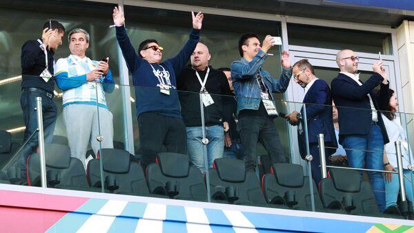 Diego Maradona na meczu Argentyna-Islandia - Sputnik Polska