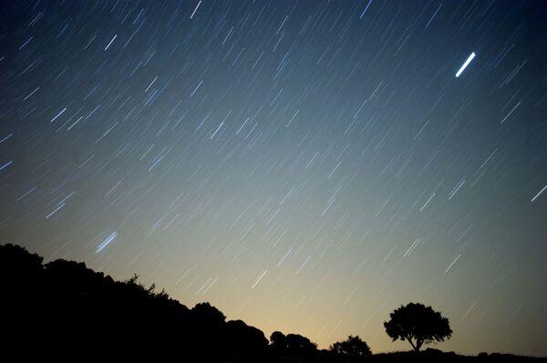 Meteoryt przecina niebo Północnej Hiszpanii - Sputnik Polska