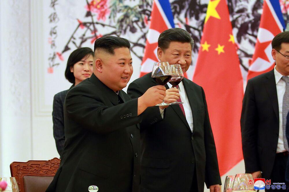 Spotkanie Kim Dzong Una i Xi Jinpinga w Pekinie