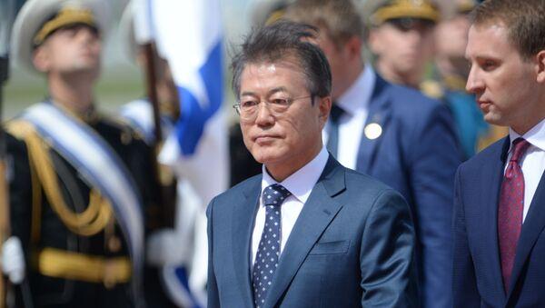 Przylot prezydenta Korei Południowej Moon Jae-ina do Moskwy - Sputnik Polska
