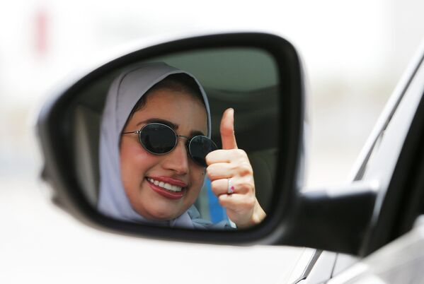 Kobieta za kierownicą, Arabia Saudyjska - Sputnik Polska