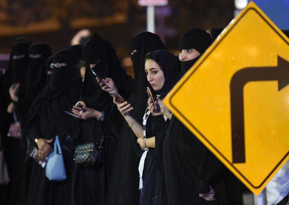 Kobiety na egzaminie prawa jazdy w Saudi