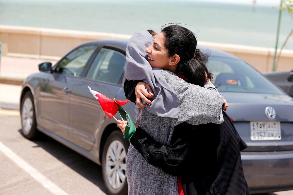 Kobiety świętują zmianę prawa, które pozwala im na prowadzenie auta, Arabia Saudyjska