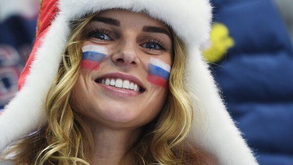Rosyjska kibicka na Olimpiadzie - Sputnik Polska