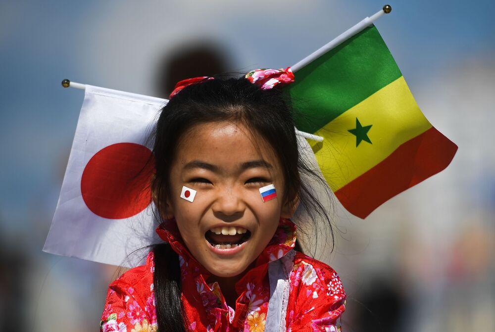 Dziewczynka z Japonii na meczu w Jekaterynburgu