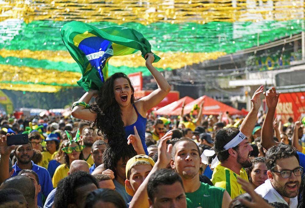Kibice reprezentacji Brazylii po meczu MŚ 2018 Kostaryka-Brazylia