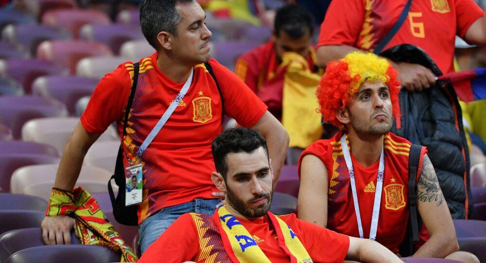 Fani reprezentacji Hiszpanii po zakończeniu meczu 1/8 finału Mistrzostw Świata w Piłce Nożnej pomiędzy reprezentacjami Hiszpanii i Rosji