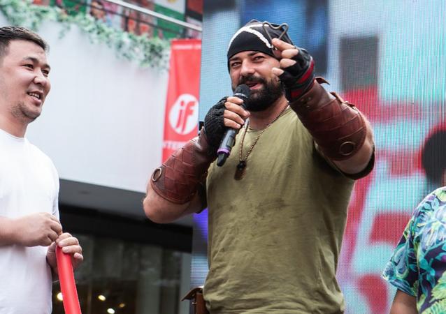 Kazachstański siłacz Siergiej Cyrulnikow