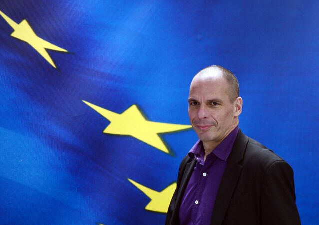 Greek Finance Minister Yianis Varoufakis arrives to present his ministry's new secretaries at a press conference in Athens on March 4, 2015.