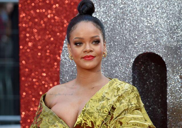 Piosenkarka i aktorka Rihanna na premierze fimu w Londynie