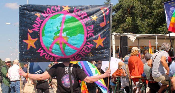 Demonstracja przeciwko amerykańskiej bazie Ramstein