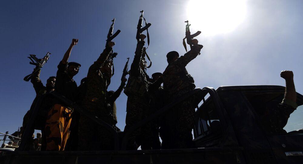 Rebelianci Huti w stolicy Jemenu Sanie. Zdjęcie archiwalne