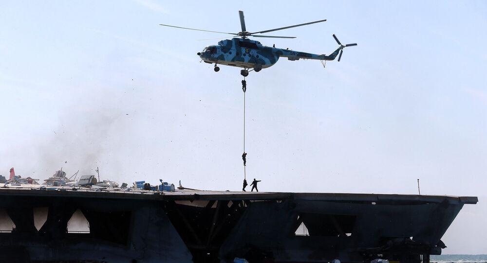 Ćwiczenia Korpusu Strażników Rewolucji Islamskiej w cieśninie Ormuz