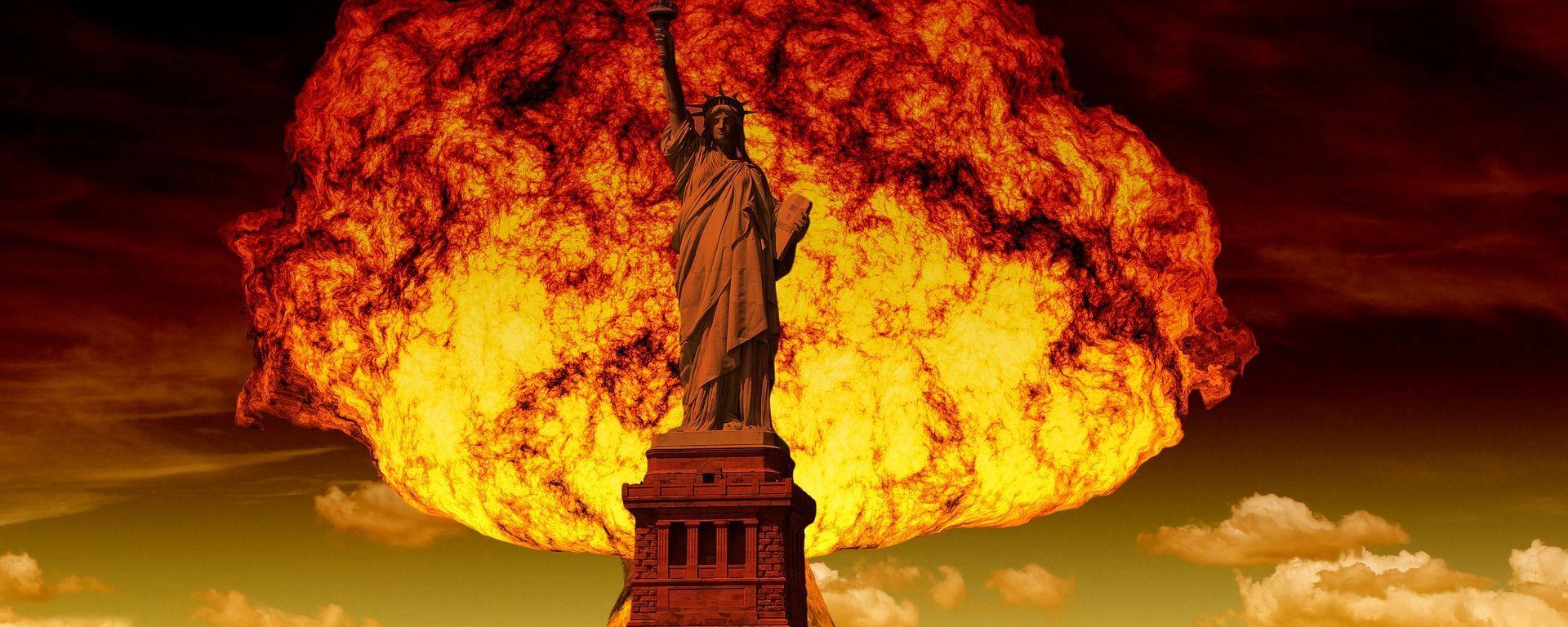 Wybuch jądrowy na tle Statui Wolności w Nowym Jorku - Sputnik Polska, 1920, 02.06.2021